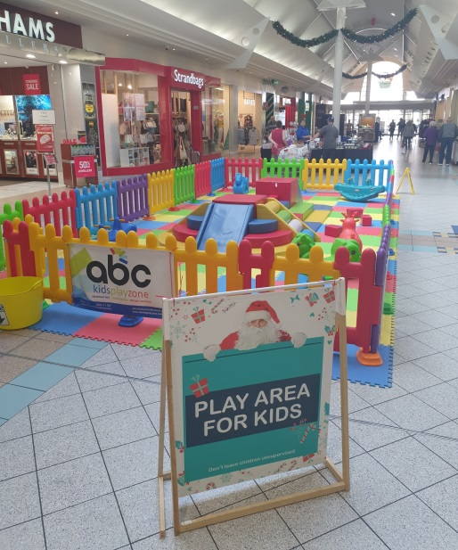 Kids Play Area & Seating Area